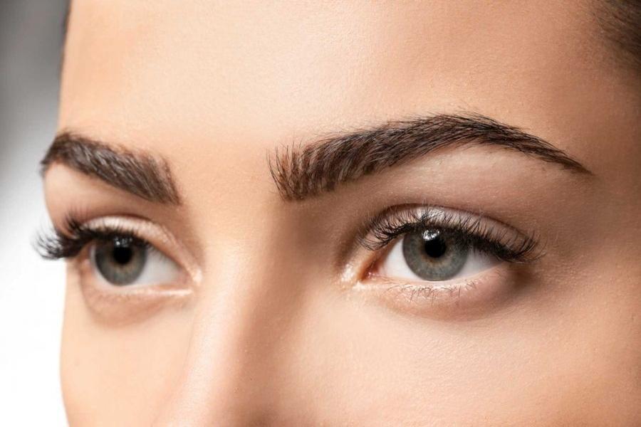 دلایل ریزش مو در ناحیه ابرو و روش درمان آن